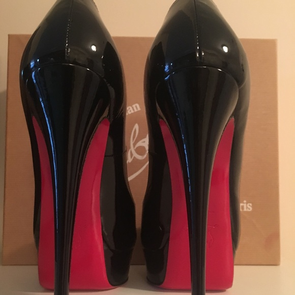 competitive price 493fa 5965e Christian Louboutin black patent high heels New NWT